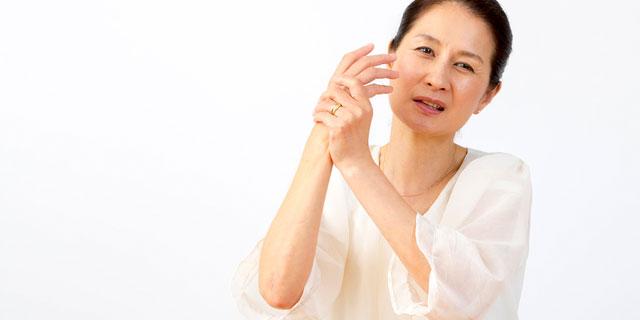 globe KEIKOさん くも膜下出血のリハビリ続ける 発症から予後を解説