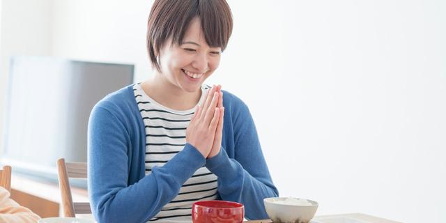 """生理痛や便秘にも効果的!女性特有の""""5つの不調""""を食べ物で改善"""