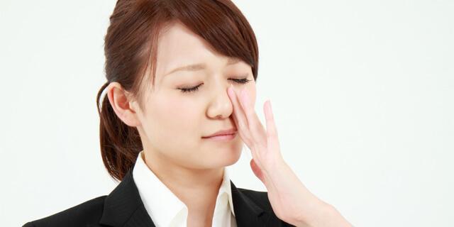 鼻水が出るのはなぜ? 意外な役割と鼻水が止まらない時の対処方法