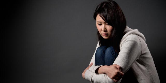 スクールカーストといじめ後遺症 学生時代のトラウマが与える影響