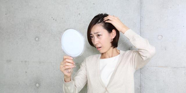 GACKT、円形脱毛症を再発…突然の抜け毛を起こす5つの原因