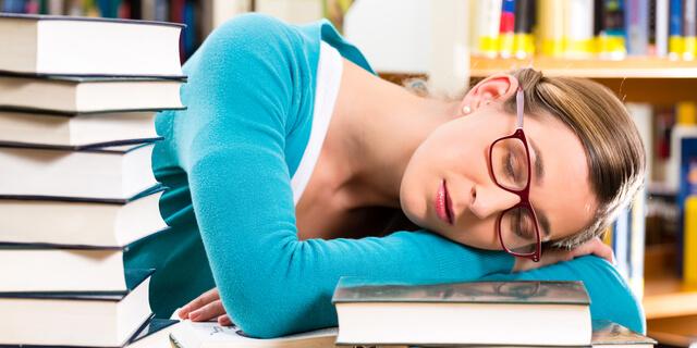 9時間以上の睡眠に認知症のリスク?長時間睡眠に潜む4つの疾患