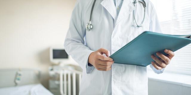 鼠径ヘルニア(脱腸)とはいったいどんな病気?症状から手術内容まで医師が徹底解説!