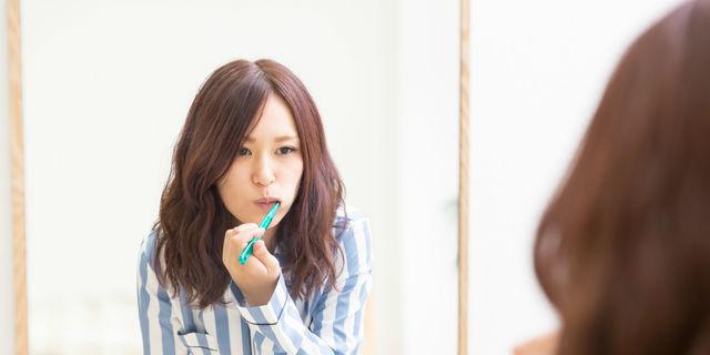 """""""オイルプリング""""でお口からキレイに!口腔環境の改善に油が有効なワケ"""