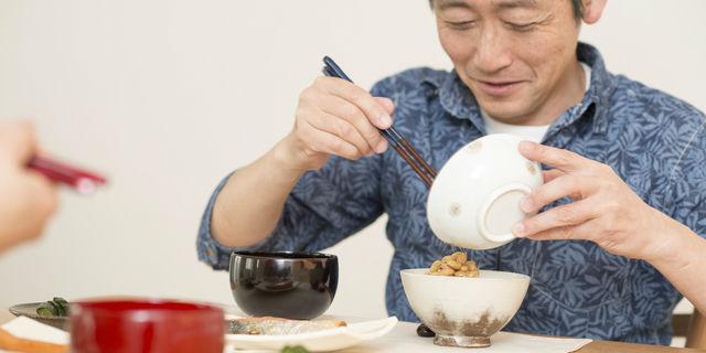 何を食べても苦く感じるのはなぜ?味覚障害を引き起こす8つの原因