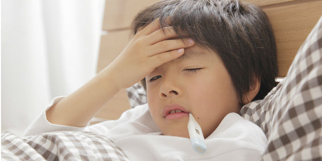 夜中に子どもの咳が止まらない!咳の原因と夜間救急にかかる判断基準
