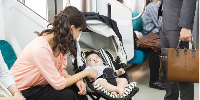 赤ちゃんにおやつは何歳からOK?あげる時期と選び方のポイント
