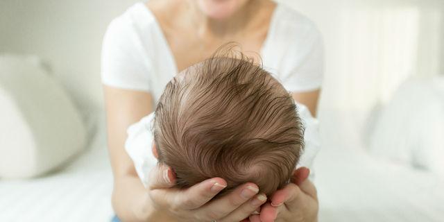 赤ちゃんの絶壁頭を防ぎたい!頭の形がいびつにならない方法とは?
