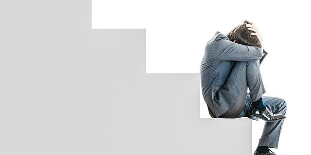 もしかして慢性疲労症候群?長期間続く強い疲労感の原因を解説