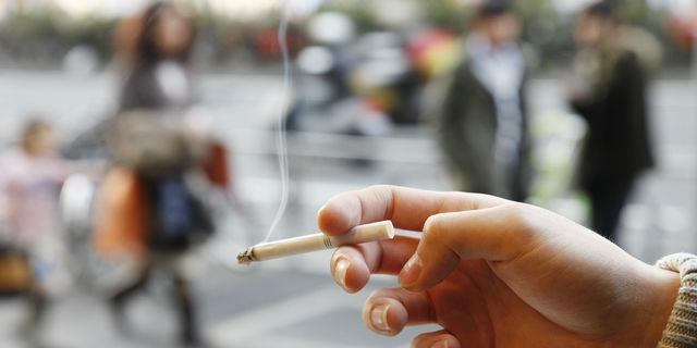 【受動喫煙症】急な頭痛、喉の痛みの原因は副流煙かも?