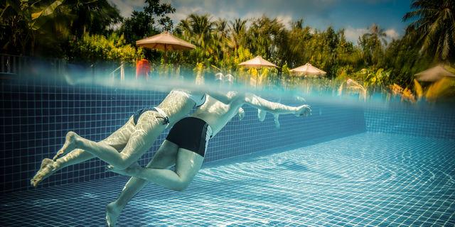 水道水やプールの塩素は大丈夫なの?気になる濃度とリスクを医師が解説