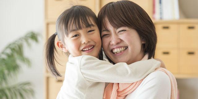 ママがいないと大騒ぎ!「ママっ子」になる子どもの原因と特徴