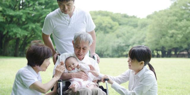 """育児と介護の両立""""ダブルケア"""" 直面する問題と支援制度について"""