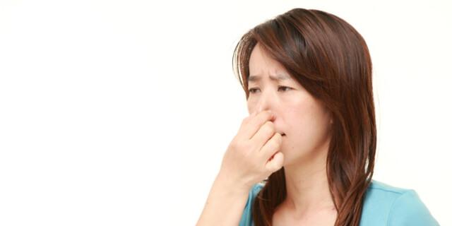 焦げ臭いニオイがつきまとう…嗅覚の異常「異嗅症」とは
