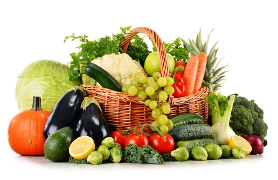 疲れと眠気を吹き飛ばすにはエナジードリンクよりも野菜と果物!?