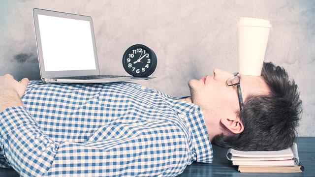 """最も眠い日・眠くない日は何曜日? 世界の""""睡眠の質がよい曜日""""調査結果"""