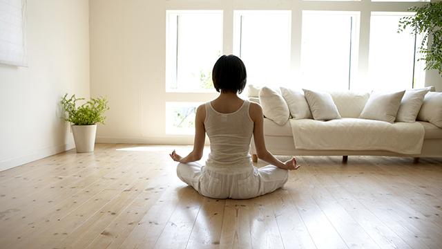 【陰ヨガ効果を体感】身体をゆるめて心を休めるバタフライのポーズ
