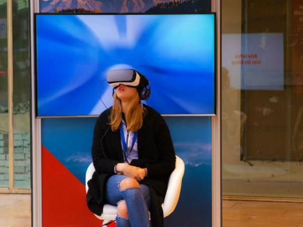 その場所にいるような臨場感! 今話題の「VR」を体験できるコンテンツ3選