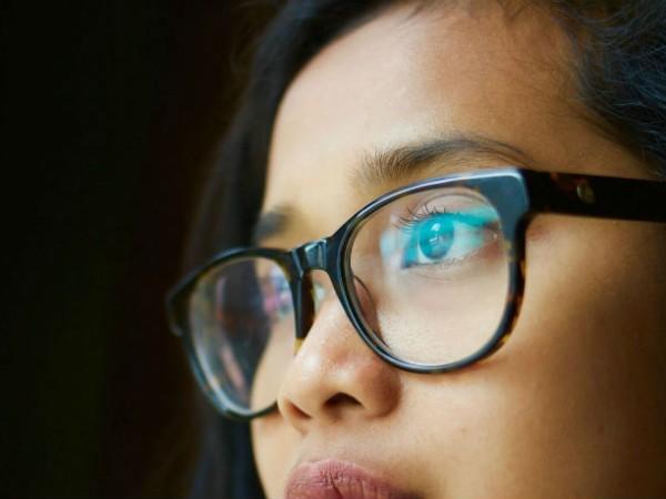 100円メガネで視力回復!?100円で買えるアイケアグッズ3選