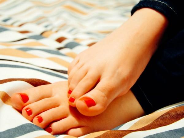 知っておくと便利! 身体の調子を整えてくれる「足のツボ」5選