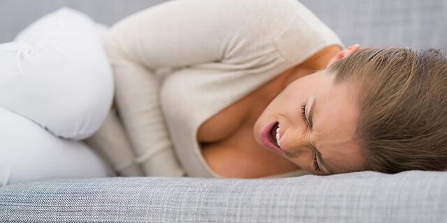 全身が激しく痛む…! 原因が不明の病気「線維筋痛症」の症状とは?