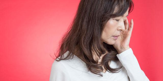 左側だけ頭が痛い…これって脳梗塞の前兆?