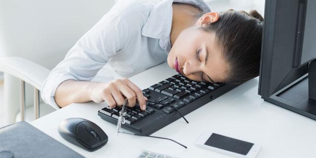 寝ても寝ても眠い…これも睡眠障害の一種だった?
