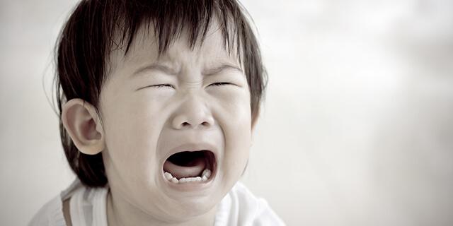 子どもが突然夜に叫びだす…気になる「夜驚症」について知りたい!