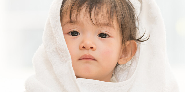 赤ちゃんの汗がすごく多くて心配…病気じゃないの?