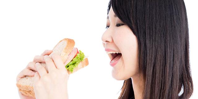 女性に多いかみしめ、あごがカクカク…これって顎関節症なの?