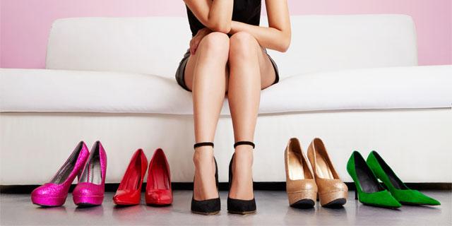 足が悲鳴を上げているのが聞こえますか。 女性に多い「外反母趾」とは?