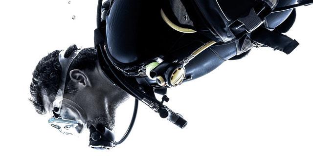 耳が変形して手術はドリルで削る!? 恐ろしい海の病気 「サーファーズイヤー」