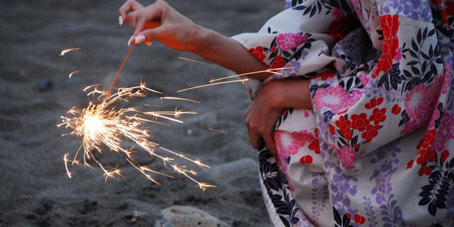 キャンプに花火にBBQ…夏のアウトドアで起こる火傷にご用心を。