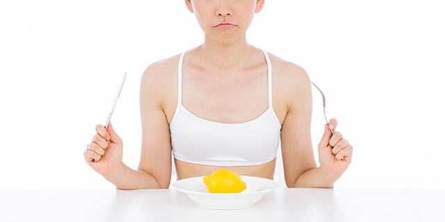 ダイエット中の肌荒れ、3つの原因とその対策