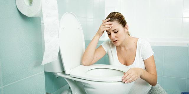 便秘をともなう吐き気は身体の赤信号。解消する3つの秘策
