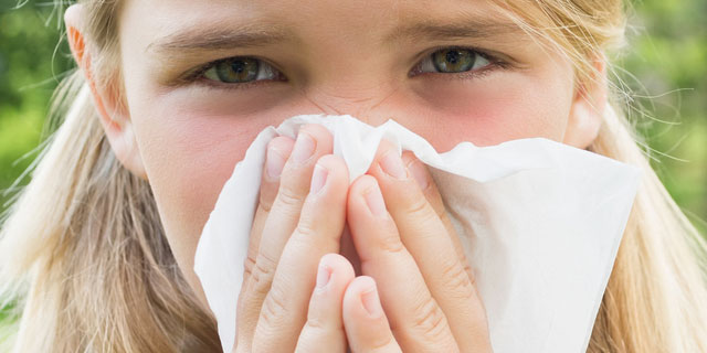 どうにか止めたい!医師が教える鼻水が止まらない時の対処法