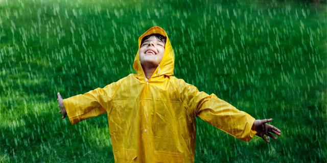 酸性雨にあたるとかゆくなる? 気をつけたい酸性雨と人体の関係