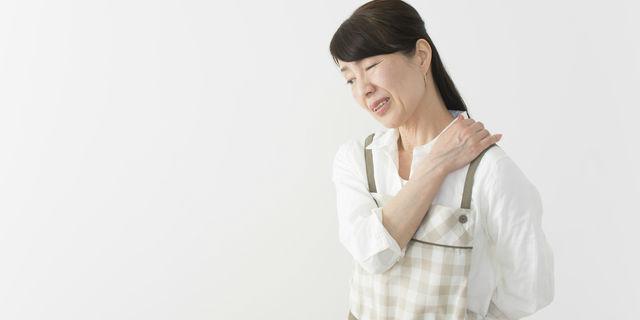 四十肩を克服したい!四十肩のステージ別に症状&改善法をご紹介