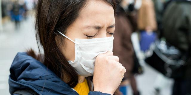 長引く痰は危険信号!? 痰がでる時に疑われる病気について