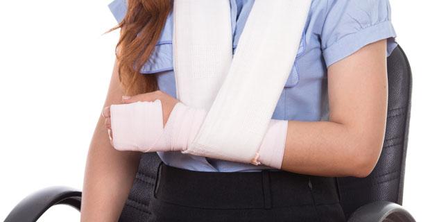 【米】リンジー・ローハンあわや薬指切断 重要な指切断後の応急処置方法