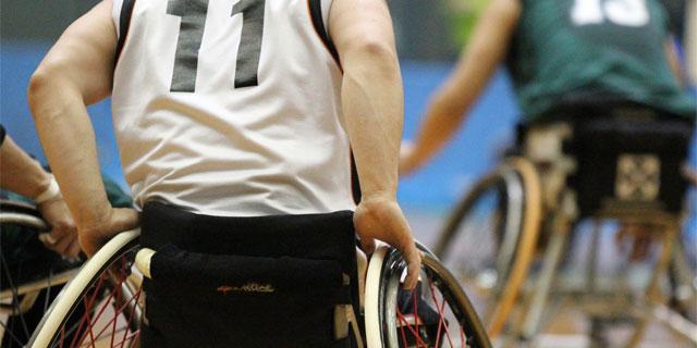 車椅子バスケ漫画「リアル」 主人公が右足を失った骨肉腫とは