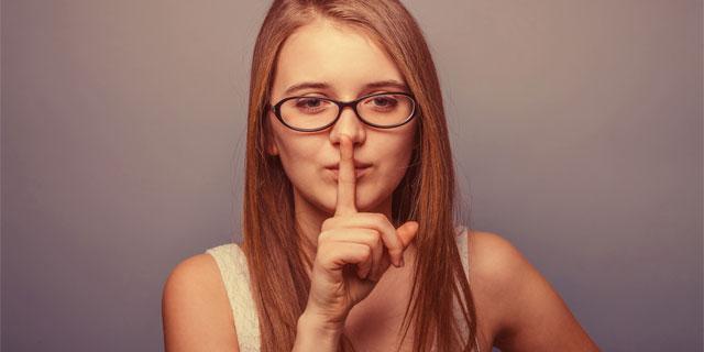 土屋太鳳 舌の裏を切る手術を告白 滑舌を悪くする舌小帯短縮症とは?