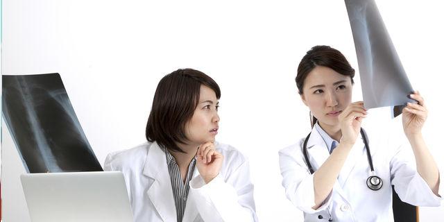 腰痛と内臓の関係性 原因不明の腰の痛みは内臓疾患のサイン?