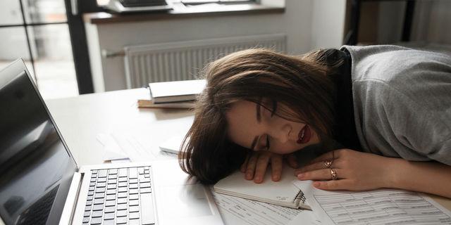 寝ても寝ても眠いときは要注意!考えられる疾患を知っておこう