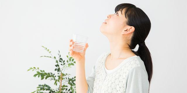 口臭は臭い玉(膿栓)が原因かも…今すぐできるセルフチェック方法