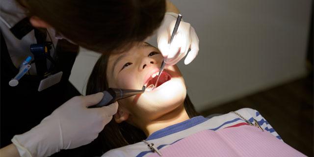 気づきにくい歯科金属アレルギー 謎の体調不良は銀歯が原因かも?