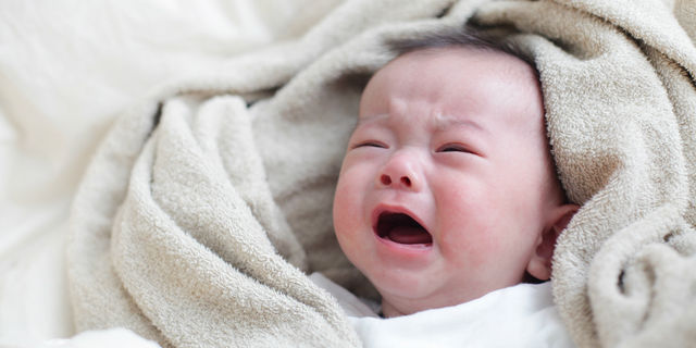 なぜ赤ちゃんは夜泣きをするの?ママパパが知っておきたい夜泣きの意味