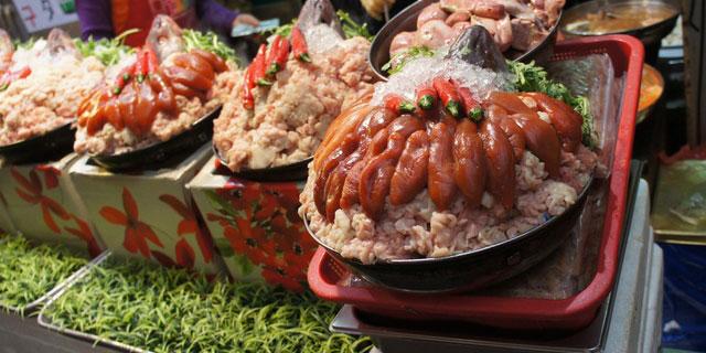 ベトナム航空で高校生34人吐き気腹痛…海外旅行で気をつけたい食中毒とは