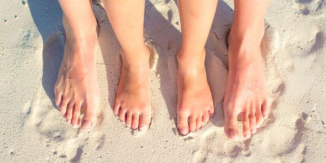 爪がボロボロしたら爪水虫かも…自己治療が出来ない症状とは?