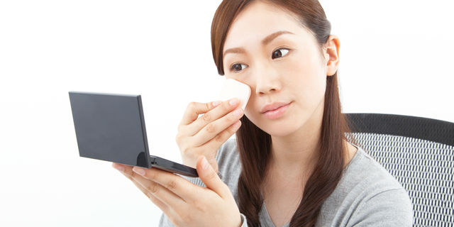 乾燥肌の方におすすめの正しい化粧直し 大切なのは適切な保湿ケア